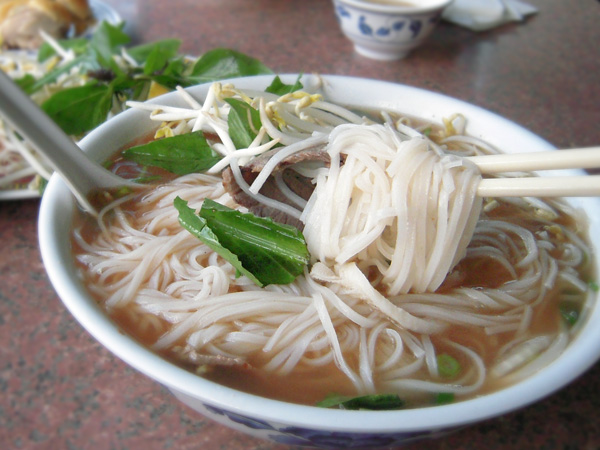Banh pho and chopsticks