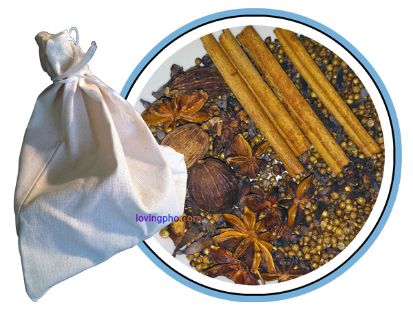 Spices and spice bag for pho.